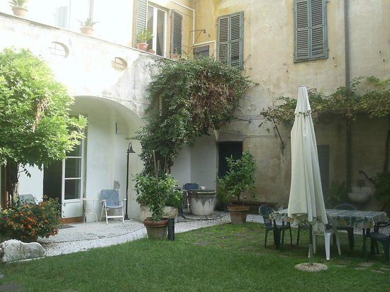 Relais Sassetti Bed and Breakfast: The Garden