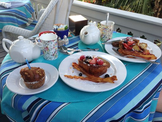 Bayfront Westcott House Bed & Breakfast: A delicious French Toast breakfast