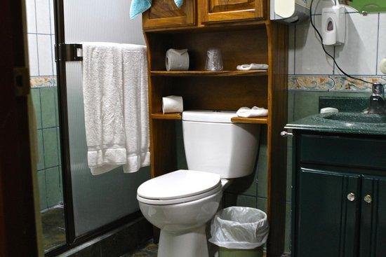 La Posada Hotel: Bathroom