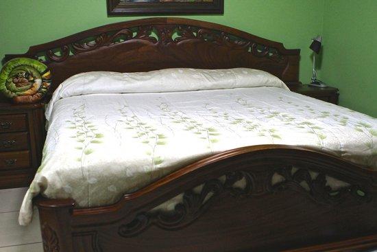 La Posada Hotel: Bed