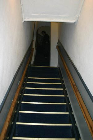 Hotel Amsterdam Inn: STAIRS