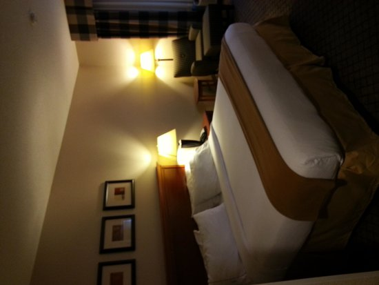 Holiday Inn Express & Suites Tilton: room