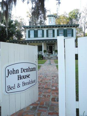 1872 John Denham House : Street View
