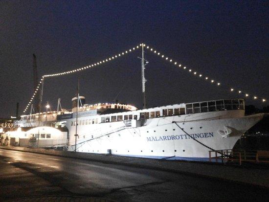 malardrottningen yacht hotel restaurant stockholm