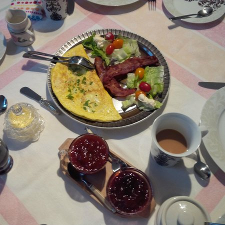 La Bergerie B&B: Great breakfast