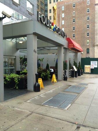 Four Points by Sheraton Manhattan SoHo Village: Entrance