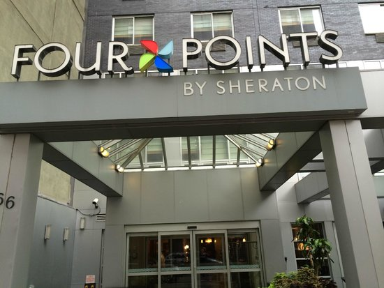 Four Points by Sheraton Manhattan SoHo Village : Entrance to the hotel