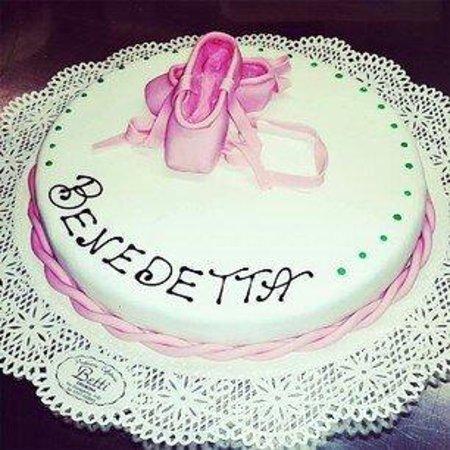 Torta Compleanno Laura.Torta Matrimonio Laura Andrea Picture Of Pasticceria Betti