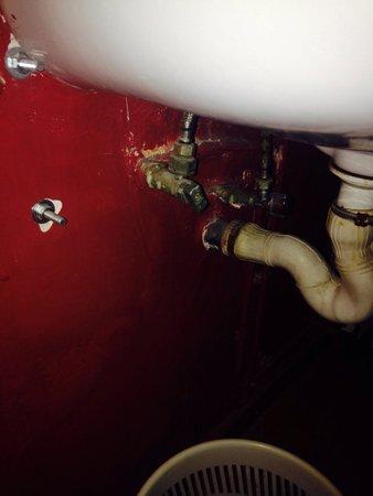 Hostal Quartier Gothic: Le lavabo de la chambre