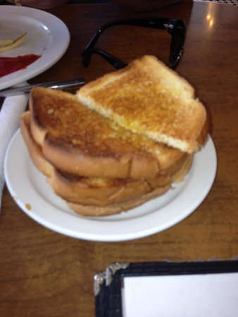 Goldie's Route 66 Diner : Toast