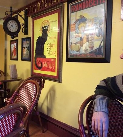 like a little french Cafe