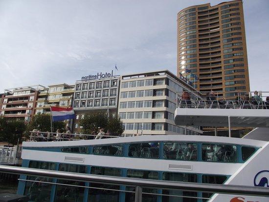 Thon Hotel Rotterdam: Desde el Rio de cara al Hotel