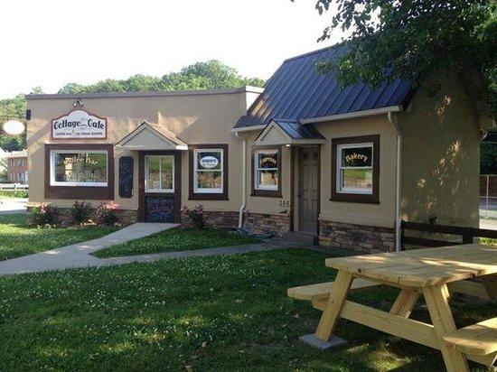Cottage Cafe, Berkeley Springs, WV