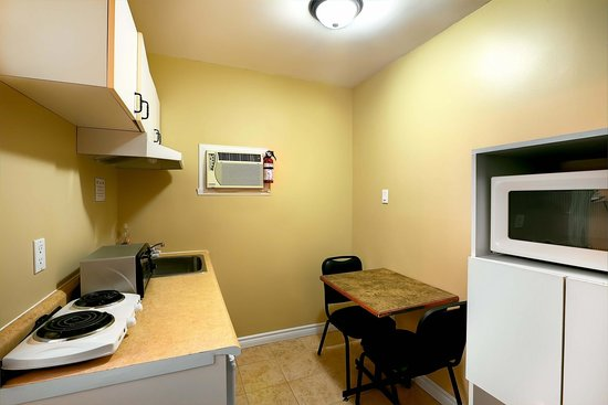 Hotel Motel Le Chateauguay: Cuisinette