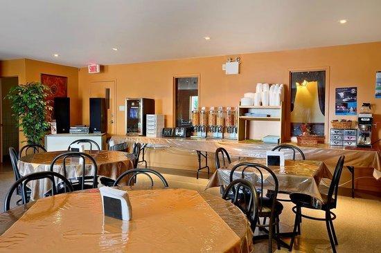 Hotel Motel Le Chateauguay: Salle à déjeuner