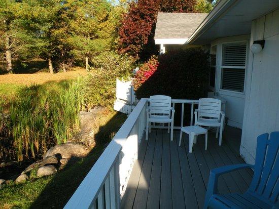 Glen Cove Inn & Suites: Our deck