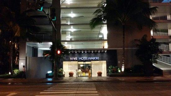 Vive Hotel Waikiki: Great place.