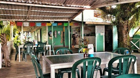 Buga Mama Restaurant : Comedor- Terraza