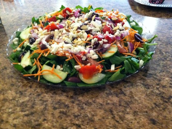 Karma on Third: Spinach Salad with House Dressing