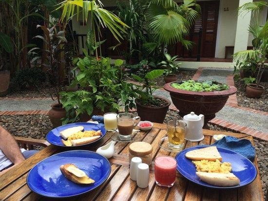 Lotus Villa Boutique Hotel: Breakfast at Lotus Villa