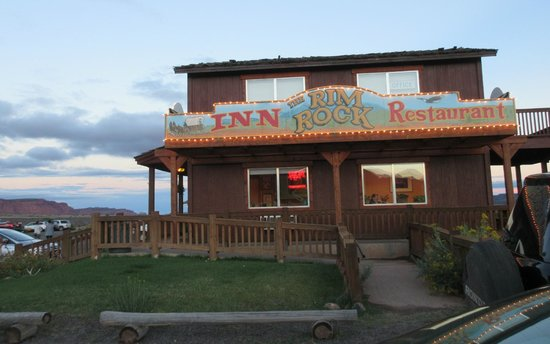 The Rim Rock Inn: Front of the Inn
