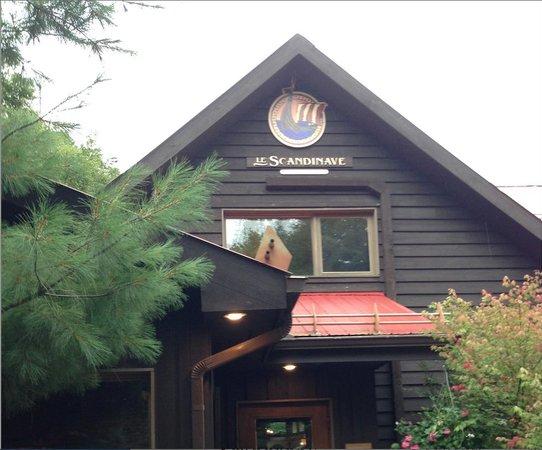 Scandinave Spa Mont-Tremblant : Scandinave Spa: the front entrance
