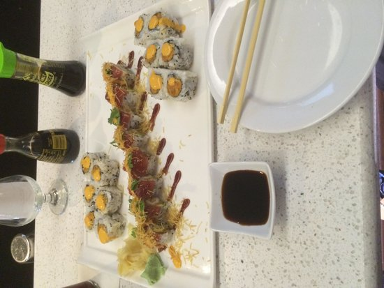 Mint Bistro : 2 Spicy Tuna and a Red Sox Roll!!!