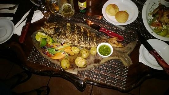 La Cantina BBQ : red snapper cooked to perfection