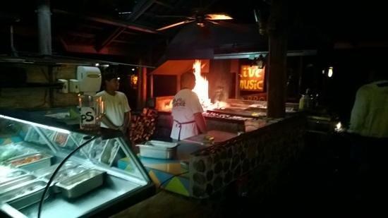 La Cantina BBQ : the pit
