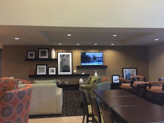 Hampton Inn & Suites Destin: Sala de estar