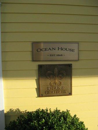 The Ocean House: Entrance sign