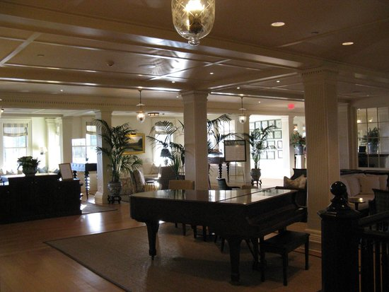 The Ocean House : View of the lobby