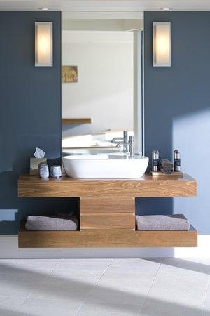 Southern Ocean Lodge: Flinders Suite Bathroom