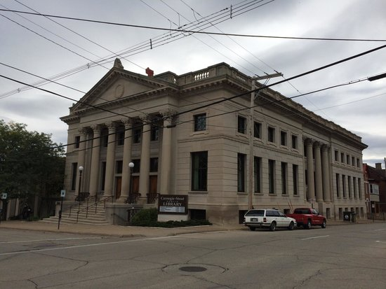 Dubuque, IA: Original Carnegie-Stout Library building. Built in 1902.
