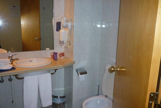 Hotel Bellavista Sevilla: Bathroom