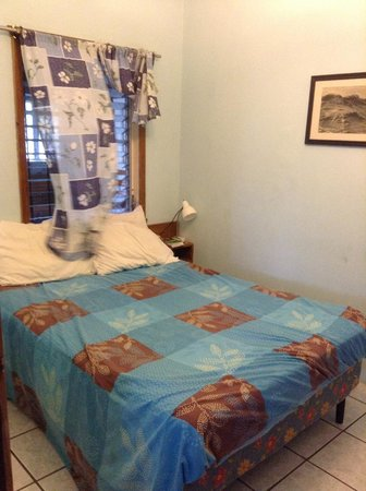 Mariposa Lodge: Good size bedroom with space to unpack!