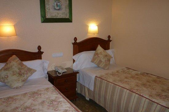 Hotel Selu: Clean bedroom