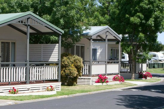 BIG4 Mornington Peninsula Holiday Park: Family Cabins