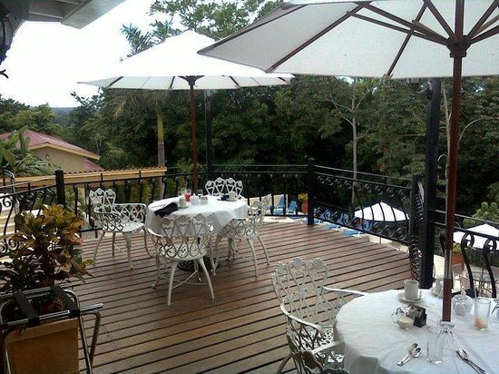 San Ignacio Resort Hotel: The deck of the restaurant