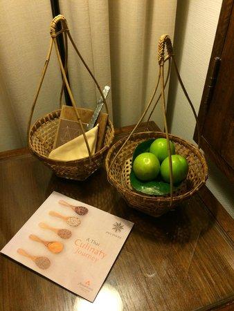 Anantara Hua Hin Resort: Welcome Fruites