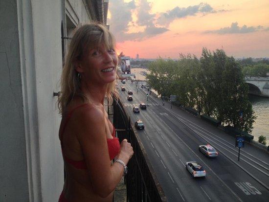 Hotel du Quai-Voltaire : Oh la la, nice sunset