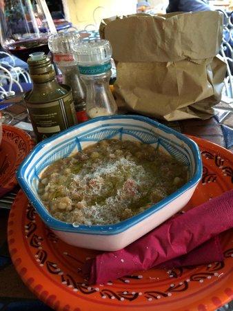 Osteria Santo Cielo: Zuppa di legumi