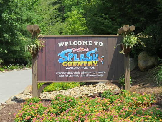 Dollywood's Splash Country Water Adventure Park: Entrance