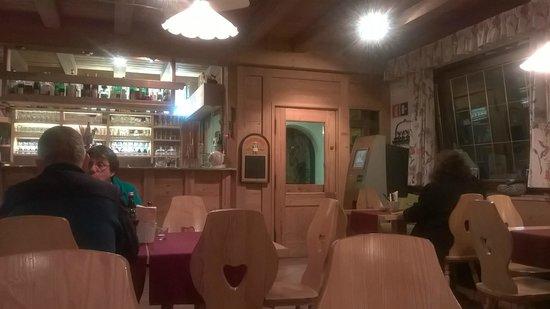 Restaurant Pizzeria Steiner : l'angolo bar