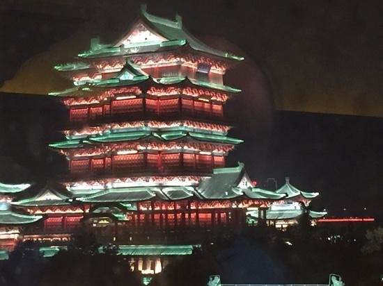 Crowne Plaza Nanchang Riverside Hotel: Tang Dynasty palace rebuilt 29 times after fire and battles