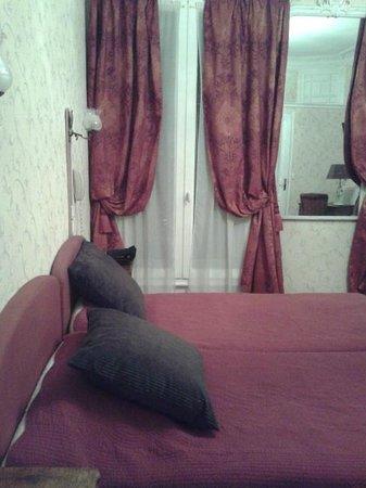 Hotel d'Argenson : Panoramica della stanza