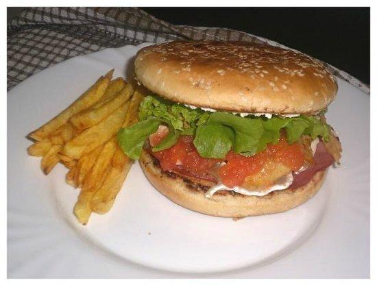L'Atelier Fraicheur : mon burger sur assiette à l'atelier fraîcheur Ambilly