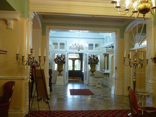 Grange Hotel: Inside Entrance Area