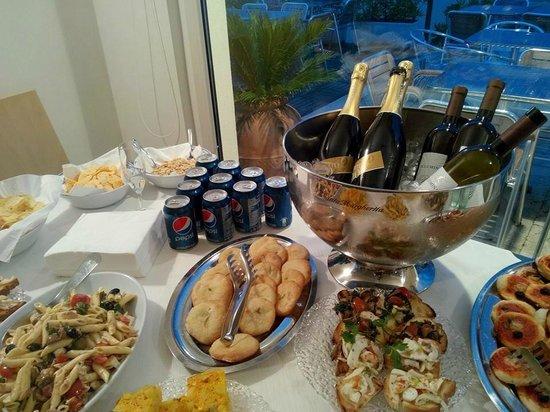 Estremamente Buffet per festa di compleanno, aperitivo cenato - Foto di Il  TF47