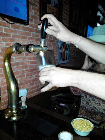 Cafe Mojo Pub and Bistro: Beer on tap